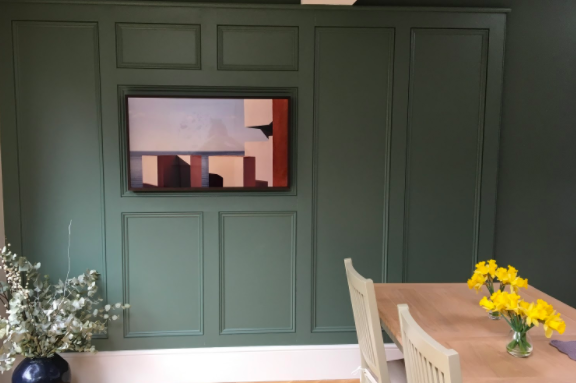 Samsung Frame TV discreet technology in