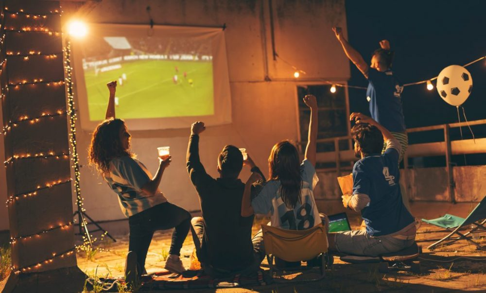 Outdoor home cinema – The best way to watch the Euros